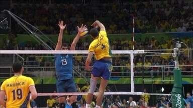 Brasil vence Argentina e está na semifinal do vôlei masculino - A seleção conseguiu uma vitória dramática contra os argentinos por 3 sets a 1 e agora vai enfrentar a Rússia na semifinal da Olimpíada.