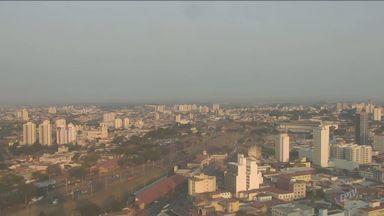 Confira a previsão do tempo para esta quinta-feira - Dia terá sol com algumas nuvens