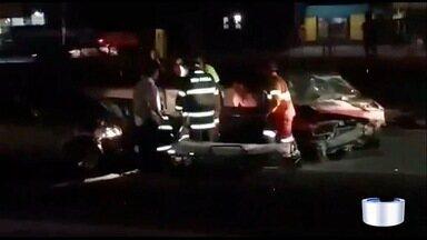 Acidente mata motociclista na Dutra em Taubaté - Outras duas pessoas ficaram feridas.