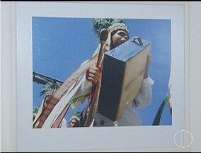 Exposição fotográfica é realizada dentro das Festas de Agosto - As imagens trazem personagens da cidade de Montes Claros.