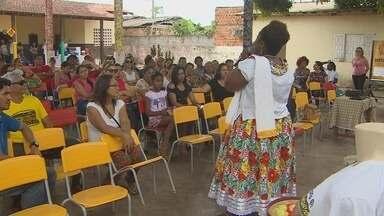História do Marabaixo fará parte do ensino de escolas da rede municipal de Macapá - O Marabaixo é uma das maiores manifestações culturais do estado e devido a sua importância para o folclore amapaense vai passar a fazer parte do ensino nas escolas da rede municipal. Os professores estão participando de oficinas para levar os ensinamentos para sala de aula.