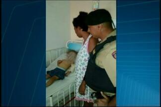Criança sobrevive a engasgo após ajuda de policiais em Divinópolis - Menina de dois anos teve parada respiratória e foi socorrida pela PM. Mãe agradece militares.