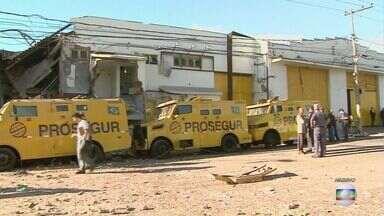 Suspeito de participar de roubo da Prosegur, em Santos, é preso em São Paulo - Polícia encontrou 200 explosivos e 5 fuzis com homem na Zona Leste. Assalto a transportadora de valores terminou com três mortos.