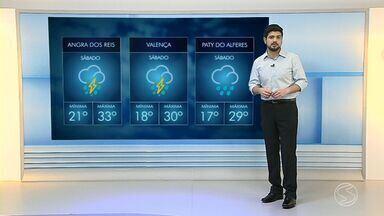 Confira a previsão do tempo para este sábado - Dia começou com sol entre nuvens e frente fria deve fazer temperaturas baixarem no Sul do Rio.