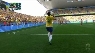 Mesmo sem medalha na Olimpíada, torcida apoia e exalta seleção brasileira feminina de futebol - Equipe do Brasil perdeu por 2 a 1 para o Canadá, na disputa do bronze.