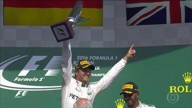 Nico Rosberg vence o Grande Prêmio da Bélgica - Nico Rosberg vence o Grande Prêmio da Bélgica e Hamilton chega em 3º, mas continua líder. Veja o comentário de Reginaldo Leme.