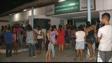 Seis internos fogem após confusão no CEJ, em João Pessoa - Moradores viram internos pulando muro; Fundac confirmou fuga.