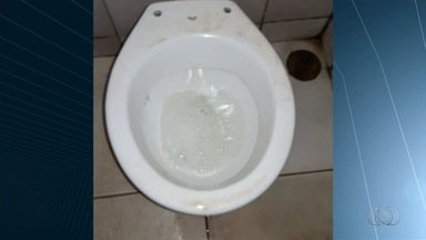Estudante denuncia desperdício de água em colégio estadual, em Goiânia - Flagrante foi feito no Setor Cidade Jardim.