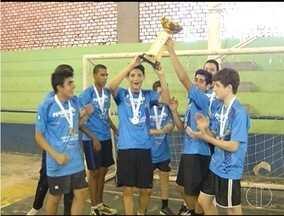 Handebol Montes Claros fatura mais um título em 2016 - Equipe masculina sagrou-se bicampeã no Mineiro Cadete Masculino de Clubes, no Sul de Minas.