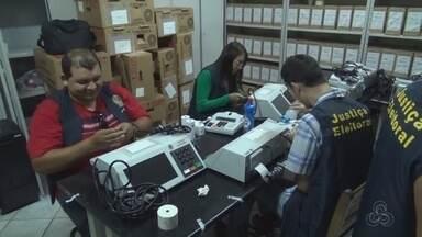 Urnas eletrônicas chegam a Parintins, no AM - 316 equipamentos serão distribuídos entre Parintins e Barreirinha.