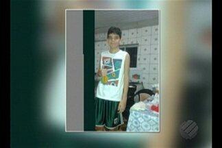 Polícia investiga morte de menino de 12 anos espancado em colégio de Belém - Criança estava desmaiada e com hematomas quando família o encontrou. Parentes afirmam que menino sofria bullying e que escola foi omissa.