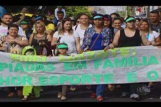 Desfile no Bairro Luizote de Freitas comemora aniversário de Uberlândia - Cidade completa 128 anos nesta quarta-feira (31). Bairro é um dos mais antigos do Município.