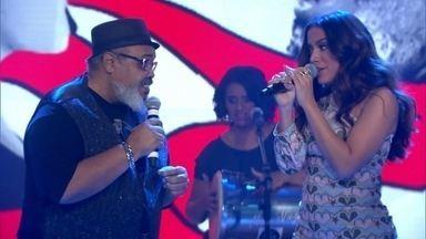 Jorge Aragão canta 'Coisinha do Pai' com Anitta no palco do Fantástico - O sambista comemora 40 anos de carreira com um sambabook que traz a participação de diversos convidados.