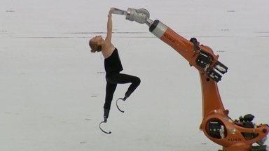 Bailarina e skatista vão emocionar o público na abertura da Paralimpíada - Bailarina e atleta, Amy Purdy teve as pernas amputadas aos 19 anos. De cadeira de rodas, Aaron Wheelz vai desafiar a gravidade no Maracanã.