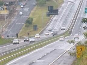Justiça suspende cobrança de multas para faróis desligados em rodovia - Só no primeiro mês da vigência, quase mil motoristas foram multados na região.