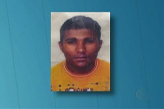 Adolescente é assassinada em Itaquaquecetuba - Para polícia companheiro, de 41 anos, é suspeito do crime. Ele vivia com a jovem na casa onde o corpo foi encontrado.