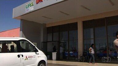 Famílias lutam por vagas para tratamento em UTIs, em Goiânia - Eles relatam que faltam leitos em unidades da rede pública da capital.