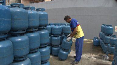 Preço do botijão de gás aumenta até 15%; veja preços em todo o estado - Tem botijão que chega aos R$ 70; veja.
