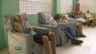 Abrigo São Francisco de Assis precisa de doações para reforma - O espaço, no Cabo de Santo Agostinho, atende idosos e precisa passar por uma reforma para acomodar melhor e com mais segurança as pessoas que vivem no abrigo.