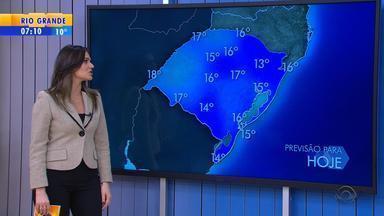 Tempo: vento intenso aumenta sensação de frio no RS - Temperaturas não devem aumentar durante esta quarta-feira (7).