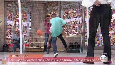 Repórter do Encontro acompanha treino de futebol de 5, destaque do Brasil na Paralímpiada - No palco, Fátima recebe o menino Ítalo, que sonha virar jogador de futebol