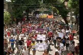 Movimentos sociais fazem 22º 'Grito dos Excluídos' em Belém - Manifestantes protestam por manutenção de direitos e democracia nesta quarta-feira (7). Evento critica capitalismo e desigualdades sociais.