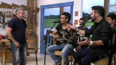 """Brenno e Barreto cantam a música """"Morena linda de Mato Grosso"""" - Brenno e Barreto cantam a música """"Morena linda de Mato Grosso"""""""