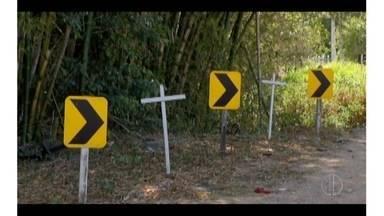 Moradores reclamam de riscos de acidentes na Rodovia Amaral Peixoto, em Saquarema, RJ - Trecho alvo de reclamações fica no distrito de Sampaio Corrêa.