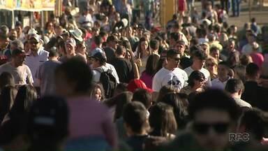 Efapi recebe grande público no feriado do aniversário - Pessoas aproveitaram o tempo bom para passear e curtir as atrações da feira