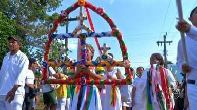 Abertura do Sairé é feita com procissão e levantamento de mastros em Alter do Chão - A maior manifestação folclórica dos oeste do Pará começou nesta quinta-feira (15) e vai até segunda-feira (19), em Santarém, PA.
