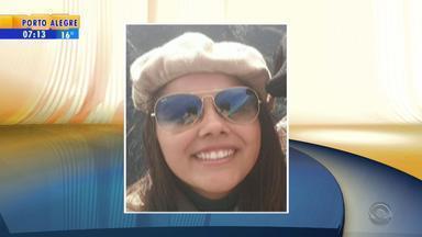 Mulher é morta com um tiro durante roubo de carro em Canoas, RS - Mulher estacionava o carro no pátio de casa quando foi abordada.