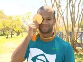 Medalhista paralímpico retorna a Presidente Prudente - Gustavo Henrique conquistou ouro na Paralimpíada.