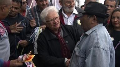 Luiza Erundina faz caminhada no Jardim Ângela - A candidata do PSOL, Luiza Erundina, participou de uma caminhada pelo comércio do Jardim Ângela nesta quarta-feira (21).