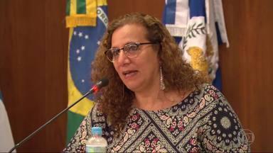 Jandira Feghali (PC do B) participa de palestra na Associação Comercial do Rio - A candidata do PC do B falou sobre suas propostas para gerar empregos e renda nas comunidades do Rio. Jandira Feghali disse que, se for eleita, quer mudar o ambiente das favelas.
