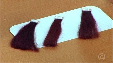 Shampoo sem sulfato é mais adequado para quem tem cabelos tingidos - A dermatologista Márcia Purcelli recomenda alternar o tipo de shampoo. Lactantes não podem fazer progressiva.