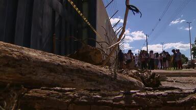 Estudantes ocupam escola em Brazlândia, no DF, contra reforma do ensino médio - Estudantes ocuparam nesta sexta-feira (7) outra escola da rede pública do Distrito Federal para protestar contra a reforma do ensino médio. Desta vez, o ato aconteceu em Brazlândia.