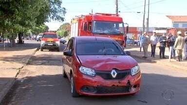 Família em motocicleta é atropelada e motorista foge em Campo Grande - Situação revoltou até policiais.
