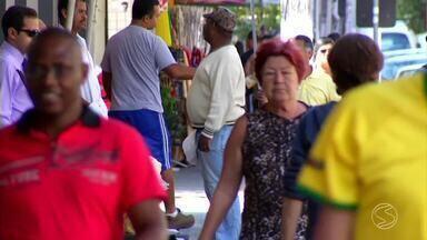 Aposentados do Sul do Rio voltam ao mercado de trabalho - Estudo do INSS, o Instituto Nacional do Seguro Social, revelou que no país tem mais de três milhões e meio de aposentados ainda na ativa; Médico diz quais cuidados essas pessoas devem tomar ao voltar a trabalhar.