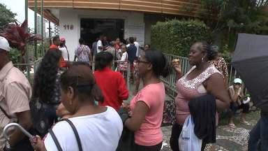 Mudança no sistema de marcação de consultas causa filas longas em hospital de Salvador - Pacientes reclamam de tentar marcar os exames e não conseguirem. Confira na reportagem.