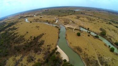 Última reportagem da série Rio Sem Água mostra fiscalização - Nem mesmo ação da Polícia Civil consegue conter danos ao Rio Araguaia, em Goiás.