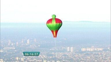 Balões são flagrados em várias regiões de SP - Vários balões foram soltos em diferentes regiões da cidade.