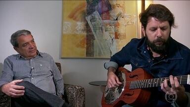 Projeto ajuda pacientes com Alzheimer através da música - O projeto '#MúsicasParaSempre' tenta manter as memórias de pacientes de Alzheimer por meio da música. Músicos voluntários criam canções personalizadas para os doentes.