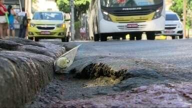 Motorista de ônibus que atropelou ciclista em Botafogo é esperado para depor - Julia Resende morreu na terça-feira (11) depois de ser atropelada quando andava de bicicleta pela rua São Clemente, em Botafogo. Polícia analisa imagens internas do ônibus e câmeras da região.