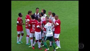 Em 2012, Palmeiras tentou anular jogo contra Internacional alegando interferência externa - Por nove botos a zero, o STJD manteve também o resultado.