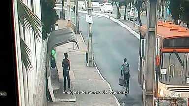 Assaltos frequentes em pontos de ônibus em São Luís (MA) - Devido à ação de bandidos, quem anda de ônibus em São Luís agora tem medo antes mesmo de embarcar nos coletivos.
