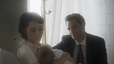 Episódio 5 - Nasce o bebê de Verônica. Rodolfo é chantageado e teme prejudicar sua carreira na televisão