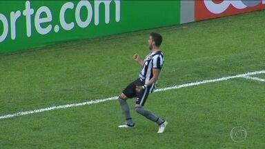 Em grande fase, Botafogo não empata há 20 jogos no Brasileirão - Alvinegro vem de cinco vitórias seguidas no Campeonato Brasileiro.