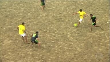 Brasil goleia o México no Mundialito de Futebol de Areia - Brasil venceu o México por 5 a 1 na etapa santista de Futebol de Areia. Brasil enfrenta a Itália no próximo jogo.