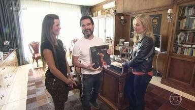 Luciano Camargo abre sua casa para Angélica - O Cantor e a esposa falam sobre momentos marcantes de suas vidas