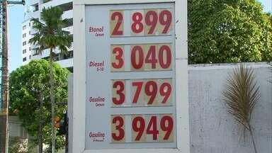 Preço da gasolina aumenta nos postos do Grande Recife - Motoristas esperavam redução anunciada pela Petrobras.